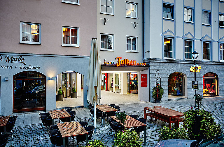 Stay at the four-star Hotel Falken at Memmingen